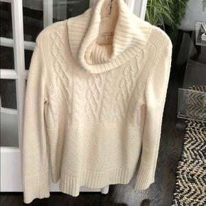 Gap cowl neck sweater barely worn